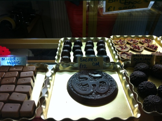 Raw chocolate Om
